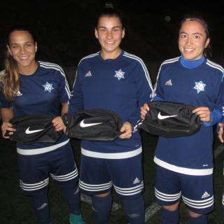 Jogadoras do campeonato Promoção recebem bolsas Nike