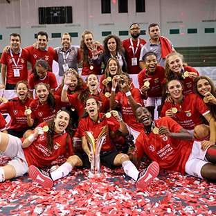 Benfica conquista Supertaça de futsal feminino